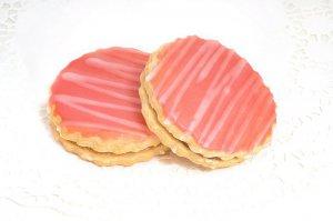 Пирожное «Песочное» глазированное помадой